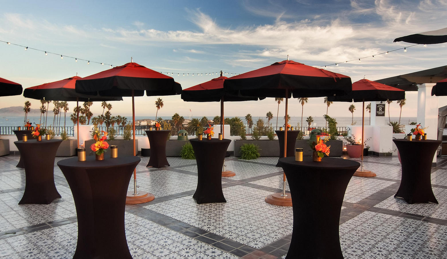 Mirador Deck Reception